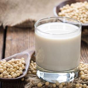 soy_milk_dreamstime_xxl_50852135